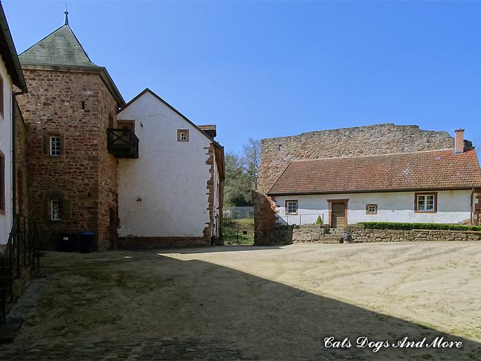 Bertradaburg Innenhof